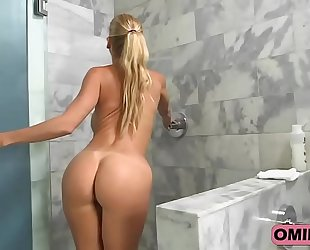 Alexis fawx is screwed hard in the shower.