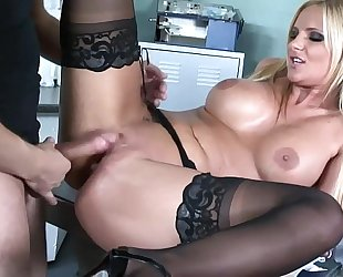 Busty honey sex in dark nylons and high heels