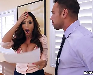 Bangbros - lalin girl milf squirt machine ariella ferrera is on notice