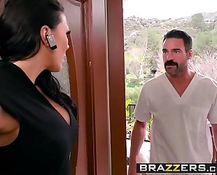 Dirty masseur - rubbing a shlong in her poon scene starring rachel starr and charles dera