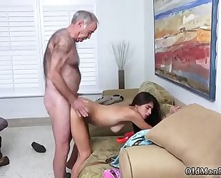 Cumshot on love tunnel homemade non-professional poping pils!