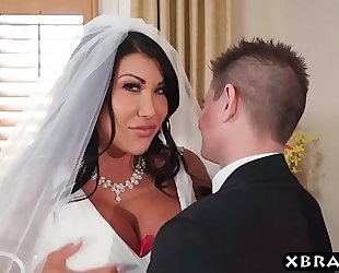 Huge whoppers bride cheats on her wedding day with the most excellent fellow