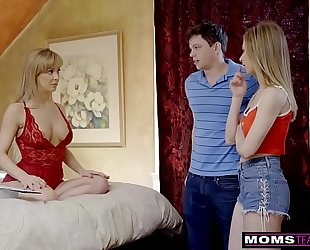 Momsteachsex - breasty milf acquires hawt mother's day 3some! s8:e4
