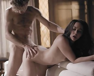 Dark-haired floozy gets fucked hard by horny psychopath